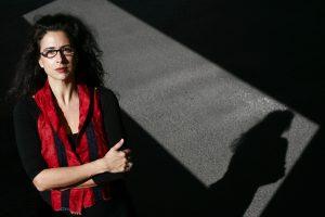 """Alexandra Lucas Coelho, jornalista e escritora. Editou o livro """" E a noite roda""""  05 Março 2012 Foto: José Carlos Carvalho"""